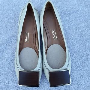 SL Size 34 Cream Leather Flats w/ Square Detail